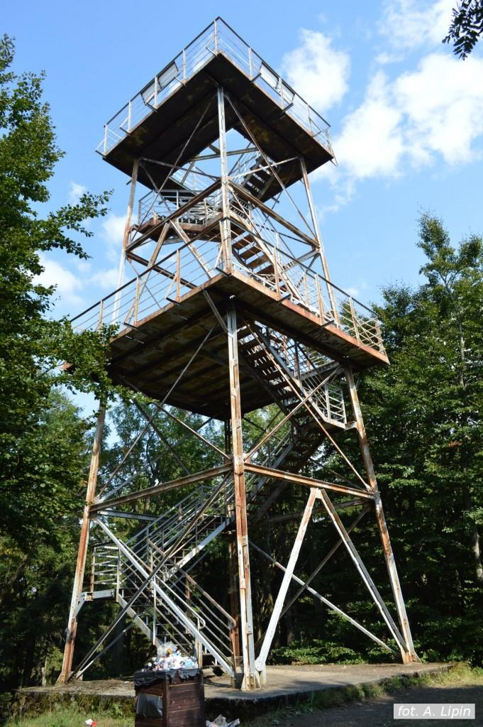82 -letnia staruszka – wieża widokowa na Kalenicy (fot. A. Lipin)