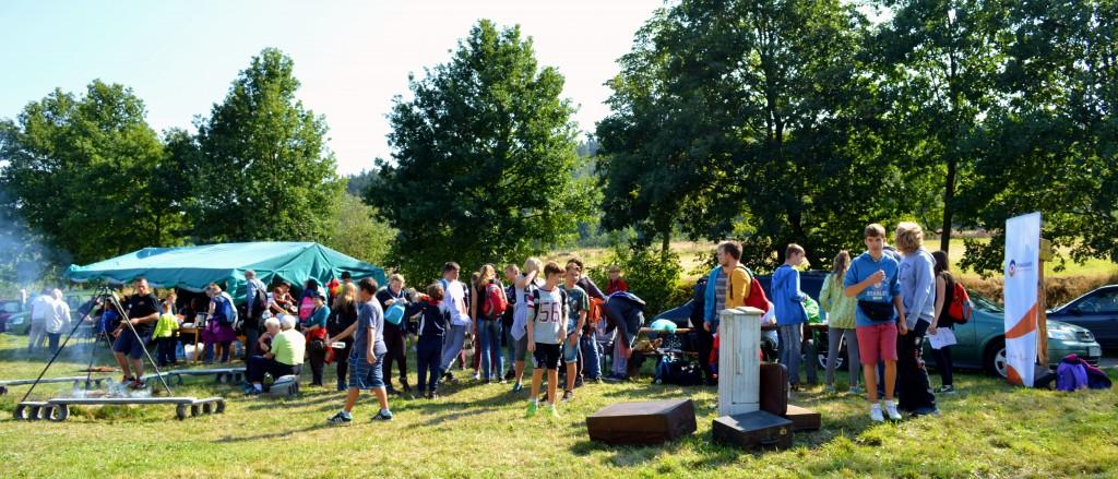 Na polance w Jasnej Górze 12 września 2015 r. panowała atmosfera rodzinnego pikniku (fot. A. Lipin)